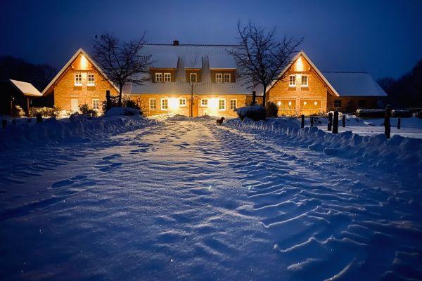 Alfsee Urlaub Ansicht Gebäude im Schnee